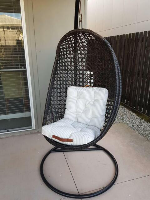 Brilliant Hanging Outdoor Pod Chair Lounging Relaxing Furniture Gmtry Best Dining Table And Chair Ideas Images Gmtryco