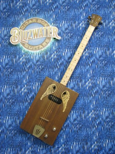 BLUZWATER FLIGHT CIGAR BOX GUITAR