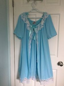 Glamour bunny vintage reproduction nightgown set