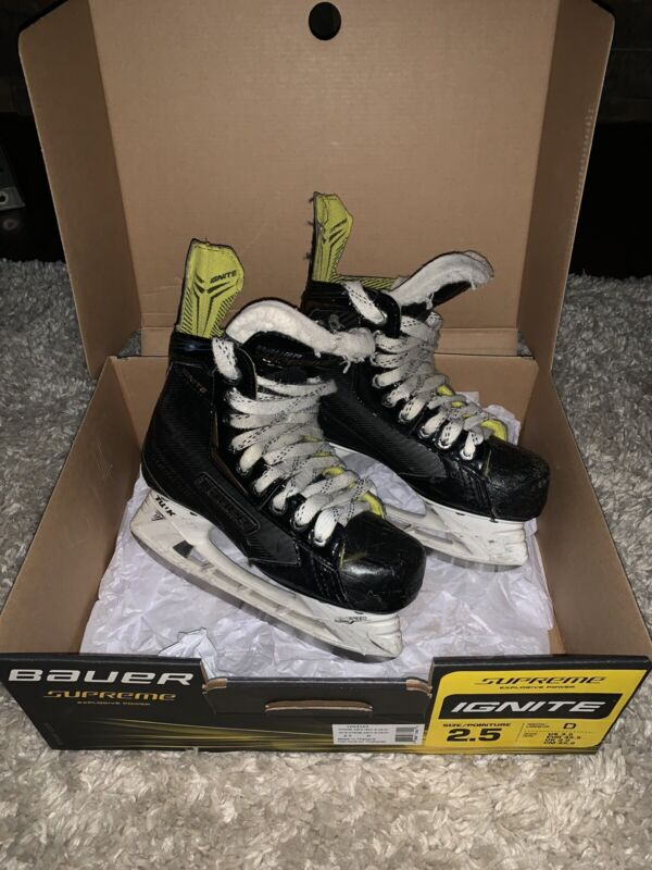 Bauer Supreme Ignite Jr Hockey Skates 2.5 D