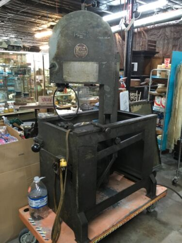 Roll in Bandsaw part only!! Motor works.