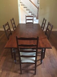 Pine Dining Room Table + 6 Chairs - Table en pin avec 6 chaises