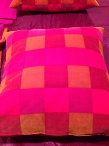 Two single blankets and matching cushion covers