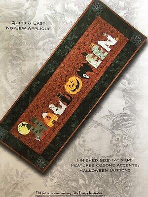 Halloween Table Runner Quilt Patterns (HAPPY HALLOWEEN Quilt Table Runner Pattern by Happy Hallow)