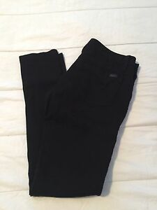 Ladies Guess Leggings With Pockets and Zipper