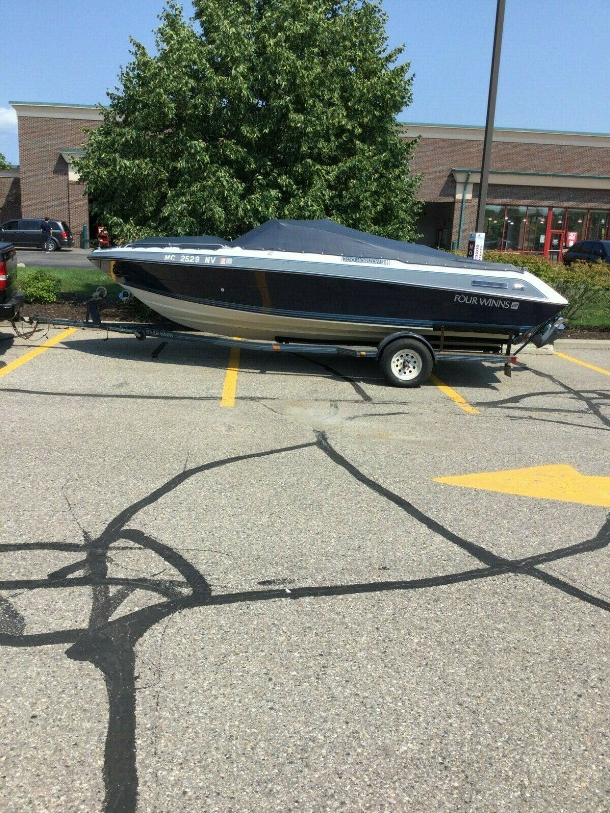 boat1989 Four Winns 200 Horizon bowrider with trailer 20 foot used