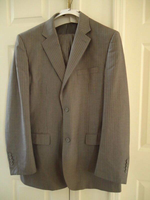 PORTOFOLIO GRAY STRIPED SUIT 46/40 PREOWNED