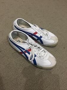 Women's Onitsuka Tiger Shoes Castle Hill The Hills District Preview