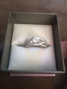 Women's Engagement Ring Size 7 ... 14ct White Gold