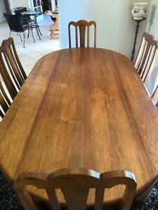 Blackwood Dining table 150x106 cm with 6 upholstered chairs