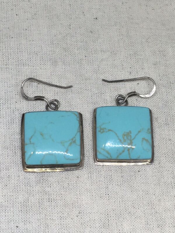 Vintage Sterling Silver Turquoise Earrings 9.g 11-11