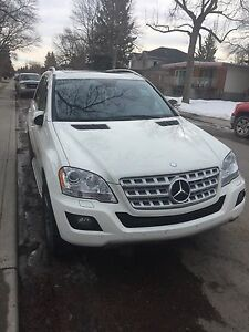 2010 Mercedes Benz ML 350 LOW MILEAGE