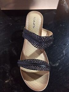 Size 9/10 shoes - new