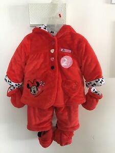 Minnie Mouse winter outfit