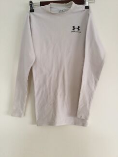 Under armour size small North Lakes Pine Rivers Area Preview