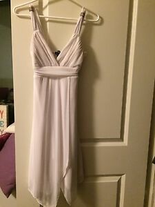 Le Chateau White Dress -XXS