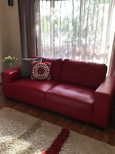 Lounge suite 3 seater and 2 seater Aberfoyle Park Morphett Vale Area Preview