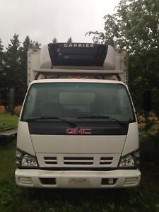2006 GMC 4500 with reefer