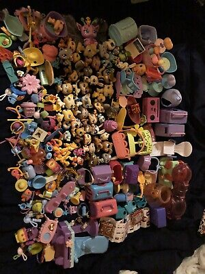 Littlest Pet Shop LPS LOT 30 Plus Pets FREE SHIPPING Lots Of Extras