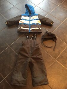 Boys size 2 Gusti snowsuit with hat