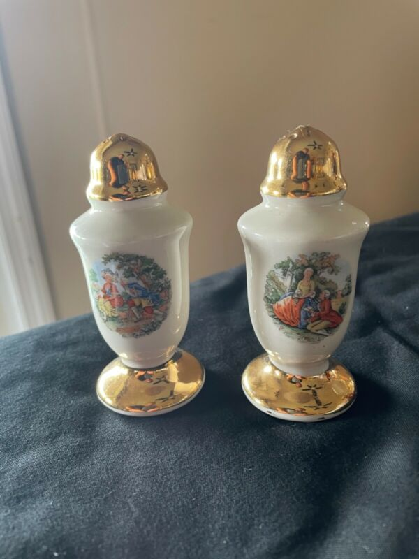 Vintage Salt and Pepper shakers-St. Louis Mo.
