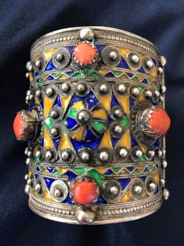 (B) Antique Berber Kabyle Silver Coral Enamel Cuff Bracelet Hallmark (2)