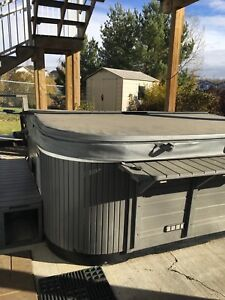 Hot tub 6 man for sale