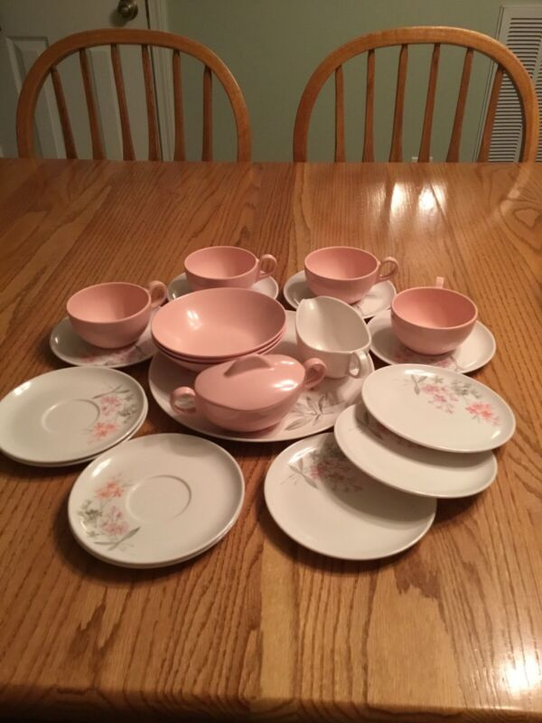 Vintage Pink & White 22 Pc Melamine Dinnerware Set 1950's