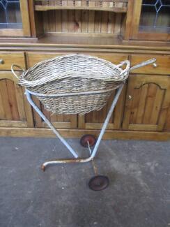 C30008 Terrific Vintage Cane Laundry Wash Basket w/ Trolley