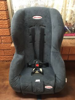 Safe-n-sounds baby car seat