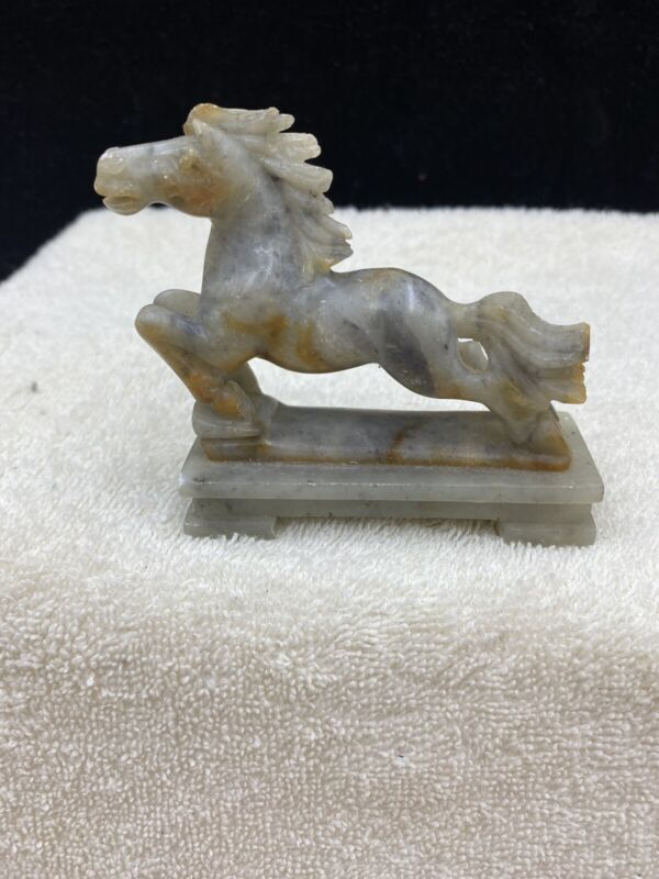 VINTAGE CHINESE HAND CARVED STONE HORSE