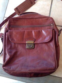 Claudio Ferrici shoulder strap bag  Armidale 2350 Armidale City Preview