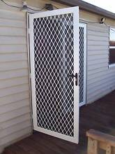 Moving house? Need fly screens and doors fixed to get bond back Singleton Singleton Area Preview