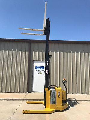 2007 Yale Walkie Stacker - Walk Behind Forklift - Straddle Lift Only 1612 Hours