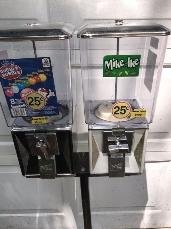 2 Gumball Machines Candy/ Gum (Northwestern) With Stand 25 Cent With Key
