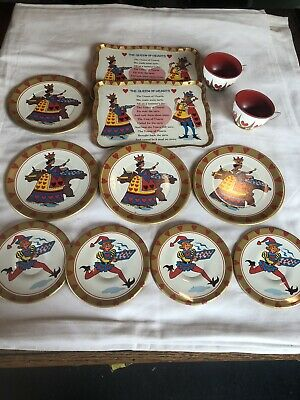 Vintage Queen Of Hearts Nursery Rhyme Tin Litho Tea Set Lot Of 12 Heart Tin Tea Set