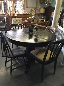 Antique OAK REFINISHED DINING TABLE $450