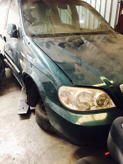 Kia carnival 2004 wrecking   Landsdale Wanneroo Area Preview