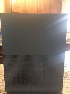 Xbox one s battlefield limited edition bundle perfect condition