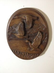 Wood carved duck picture