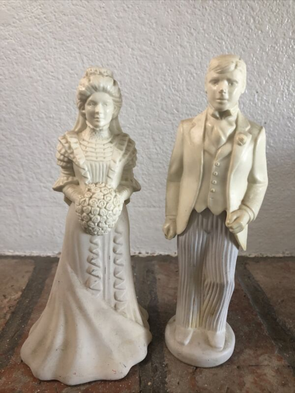 Vintage Avon Bride and Groom Cologne Perfume Set Bridal Moments
