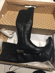 Boots/Booties Size 6