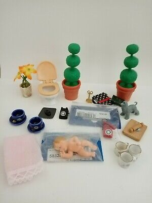 Vintage Mixed Dolls House Furniture Bundle.