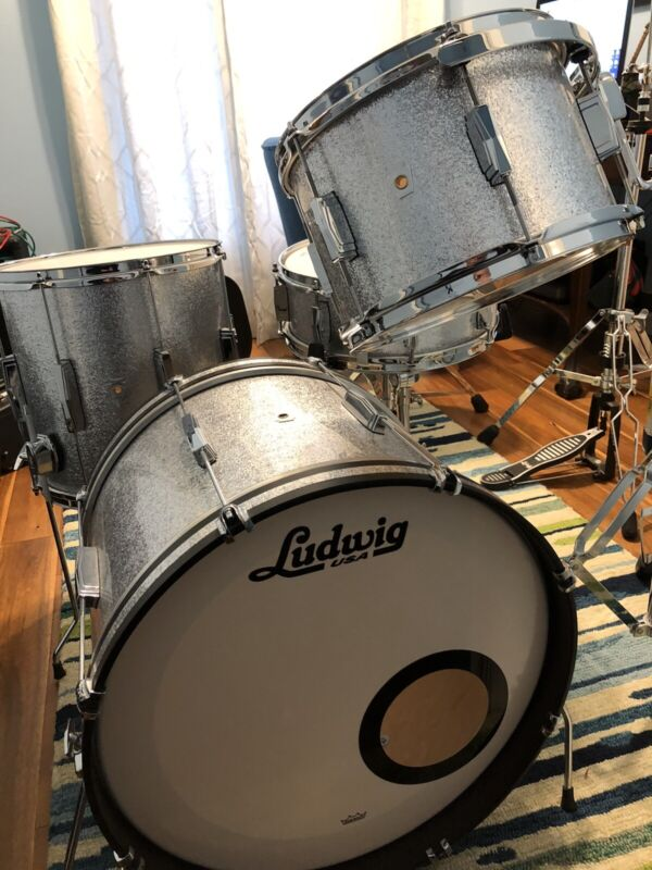 Ludwig Club Date Drum Set