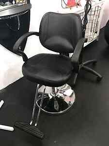 New Hair Dressing Station and Chair Barrack Heights Shellharbour Area Preview