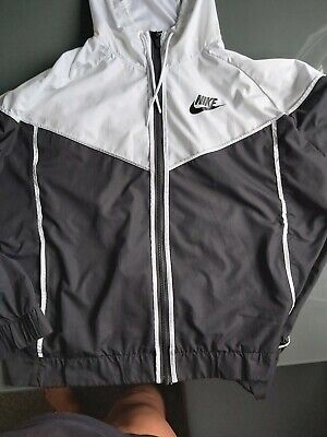 nike windbreaker jacket woman 24