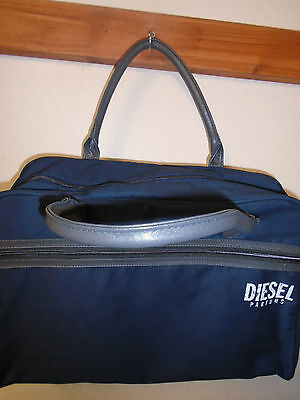MANS TRAVEL BAG HOLDALL HAND  LUGGAGE GYM BAG DIESEL NEW IN BAG CHRISTMAS GIFT