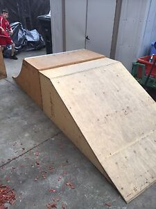 Scooter/ skateboard ramps/ quarter pipe