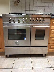 Bertazzoni standing oven/stove Narre Warren North Casey Area Preview