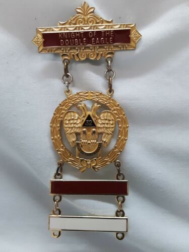 Masonic Knight Of The Double Eagle 32 Degree Award Medal W/Red And White Bars